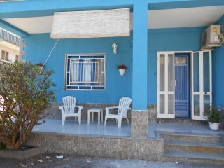 Syracuse Holiday Home Sleeps 6 with Air Con and WiFi - 5676829