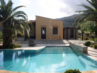 Villa Cialoma con piscina vista paradiso vista Golfo di Castellammare