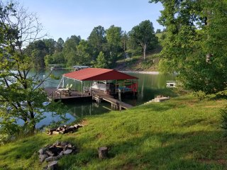 The Grand Escape at Springs Dock on Norris Lake - Lakefront