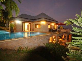 Ban Hua Thanon Villa Sleeps 8 with Pool Air Con and WiFi - 5676856