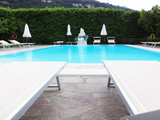 Casa Sorrento apartment at residence with pool and garden furniture Sorrento let