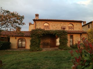 Podere Torricchi - Country house Tuscan style,pool area,stunning view - sleeps 8