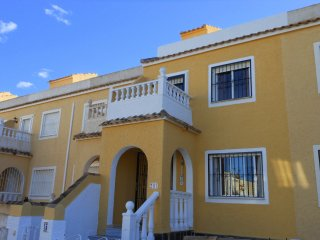 (492) Casa Anna 2 bed house air-con Wifi opposite pool quiet area near amenities