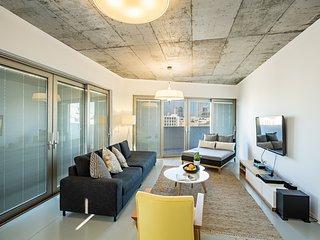 Flea Market Dream Penthouse - Clock House Project
