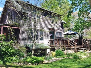 East Chop Custom Built 3 Bedroom Cottage