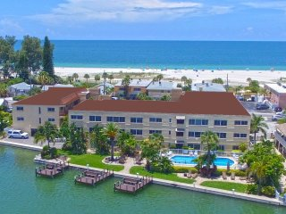Tortuga 2 Bedroom / 2 Bathroom Bayview Condo
