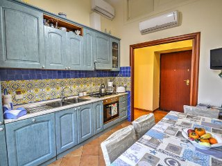 Sorrento Apartment Sleeps 4 with Air Con and WiFi