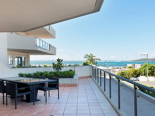 Breakwater Presidential Suite B, Apartment 107, 2 Messines St, Shoal Bay