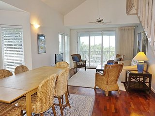 3 bedroom in residential setting with stunning Gulf view, C0033D