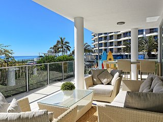 1/389 Golden Four Drive -  Luxury Four Bedroom Apartment with private plunge