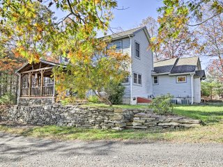NEW! 3BR Saugerties House w/ Hot Tub on 8 Acres!