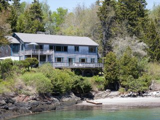 Spectacular Ocean Views & Private Beach, Minutes from Popham & Sebasco Resort