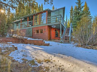 Secluded Breck Cabin w/Hot Tub, ~3 Mi. to Main St!