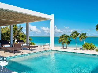 Enjoy Late Summer Specials at 1 of our most popular beachfront villas