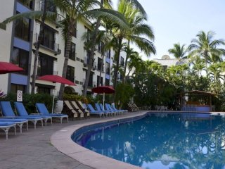 Best Location in Hotel Zone! Great Pool View!  Across the street from Beach !