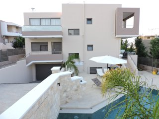 Peris villas N2 welcomes you to Chania