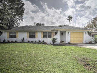 New! 4BR House Near Shopping - 15 Mi. From Orlando