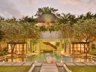 Boutique 10 Bedroom Luxury Villa Located in Eat St, Seminyak;