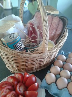 Breakfast hampers made to order, Full English or Continental