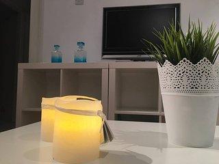 NEW Luxury 3 bedroom apt Center of Paphos! Sleeps 6+