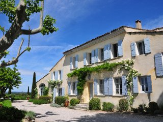 5 bedroom Villa in Carpentras, Provence-Alpes-Côte d'Azur, France : ref 5456722