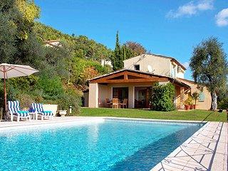 5 bedroom Villa in Grasse, Provence-Alpes-Côte d'Azur, France : ref 5456704