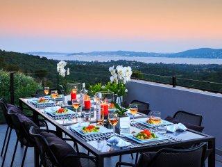 4 bedroom Villa in Grimaud, Provence-Alpes-Côte d'Azur, France : ref 5456728