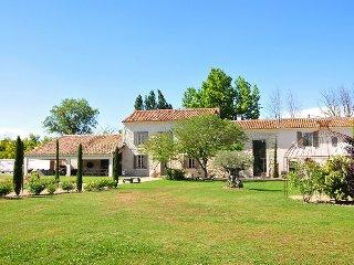 9 bedroom Villa in L'Isle-sur-la-Sorgue, Provence-Alpes-Côte d'Azur, France : re