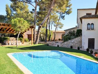 6 bedroom Villa in Vilafranca del Penedes, Catalonia, Spain : ref 5456342