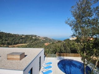 Begur Villa Sleeps 7 with Pool and WiFi - 5736597