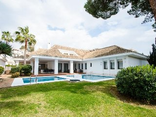 4 bedroom Villa in Puerto Banus, Andalusia, Spain : ref 5455928