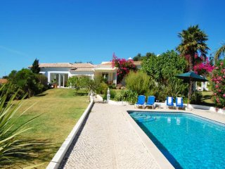 3 bedroom Villa in Guia, Faro, Portugal : ref 5454944