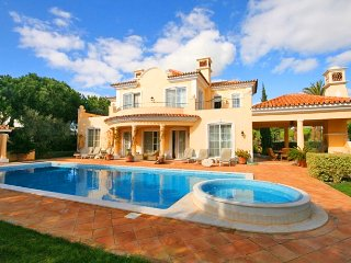 4 bedroom Villa in Quinta do Lago, Faro, Portugal : ref 5455974