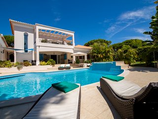 5 bedroom Villa in Vale do Lobo, Faro, Portugal : ref 5455866