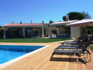 4 bedroom Villa in Quinta do Lago, Faro, Portugal : ref 5455829