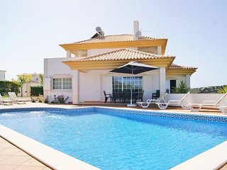 5 bedroom Villa in Galé, Faro, Portugal : ref 5455431