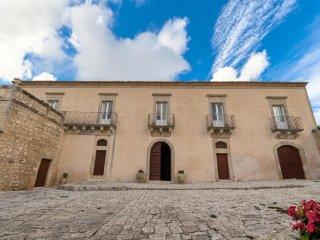4 bedroom Villa in Marina di Ragusa, Sicily, Italy : ref 5455710