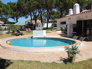 3 bedroom Villa in Almancil, Faro, Portugal : ref 5454989