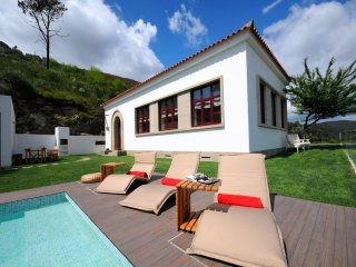 4 bedroom Villa in Sabrosa, Vila Real, Portugal : ref 5455236