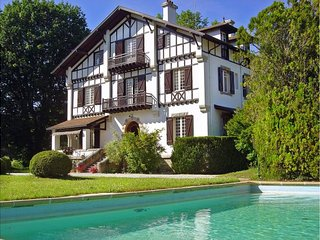 9 bedroom Villa in Biarritz, Nouvelle-Aquitaine, France : ref 5454980
