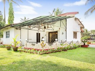 Alluring 2-BR bungalow, perfect for a family reunion