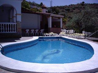 Casa de campo parapersonas, con piscina