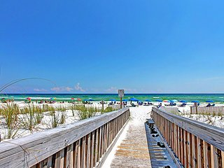 Emerald Isle 210-2BR-Dec 19 to 23 $516-Buy3Get1FREE! BeachSide Pool! Gulf Views