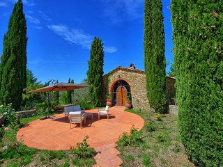 4 bedroom Villa in Gaiole in Chianti, Tuscany, Italy : ref 5453210