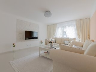 902 m from the center of Hanover with Internet, Parking, Balcony, Washing machin