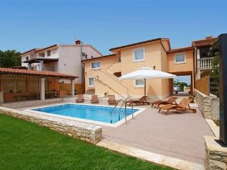 Spacious villa in Pula with Parking, Internet, Washing machine, Air conditioning