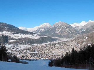 2 bedroom Apartment in Bormio, Lombardy, Italy : ref 5448011