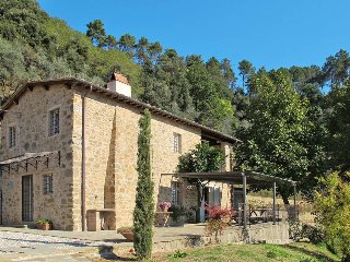 2 bedroom Villa in San Martino in Freddana-Monsagrati, Tuscany, Italy : ref 5447