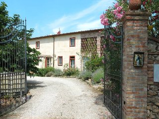 6 bedroom Villa in Palaia, Tuscany, Italy : ref 5447304