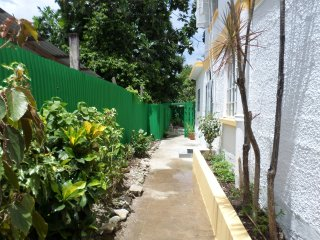 Inniss Apartment (5 minutes walk from the beach)